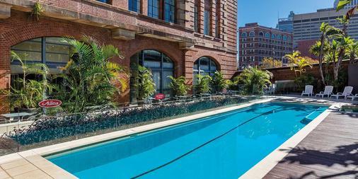 Adina Apartment Hotel Sydney Central - Sydney - Pool