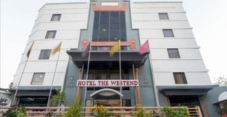 Hotel The Westend - Ahmedabad - Building