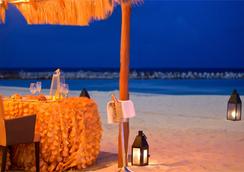 Krystal Grand Punta Cancun - Cancun - Beach