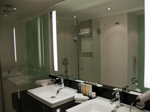 Radisson Blu Hotel, Amsterdam - Amsterdam - Bathroom