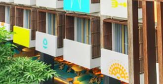 Tijili Seminyak - Kuta - Building
