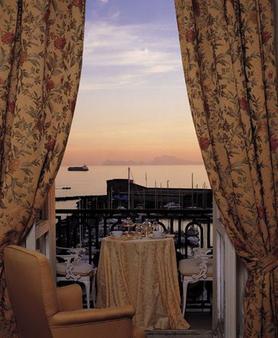 Eurostars Excelsior - Naples - Balcony