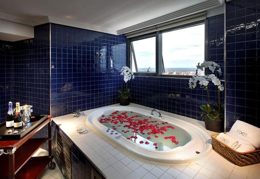 Exe Plaza - Madrid - Bathroom