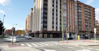 Puerta De Burgos - Burgos - Building