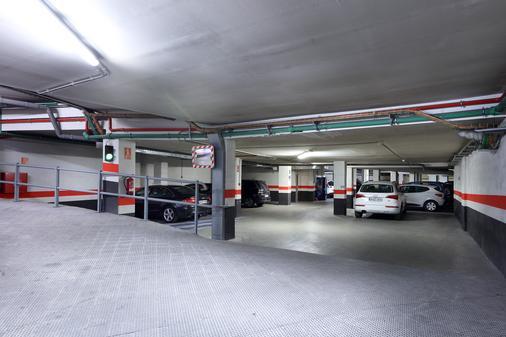Eurostars Plaza Acueducto - Segovia - Parking