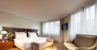 Hotel Regent - Munich - Bedroom