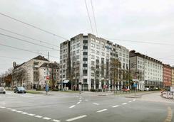 Hotel Regent - Munich - Building