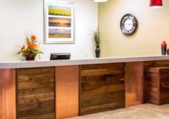 Grand Williston Hotel & Conference Center - Williston - Lobby