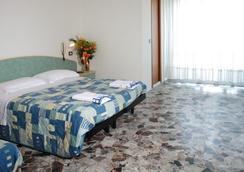 Hotel Letizia - Rimini - Bedroom