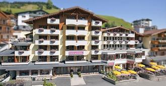 Hotel Gabriela - Serfaus - Building
