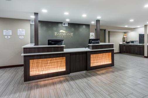 Baymont by Wyndham, Clarksville - Clarksville - Front desk