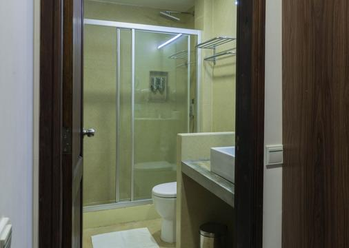 Beachwood Hotel - Maafushi - Bathroom