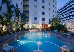 Rendezvous Hotel Singapore - Singapore - Pool