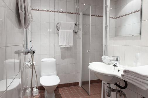 Hotel Anna - Helsinki - Bathroom