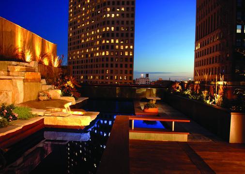 Hotel Metro - Milwaukee - Outdoor view