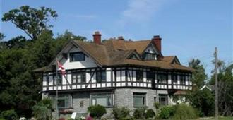 Dashwood Manor Seaside Bed & Breakfast - Victoria - Building