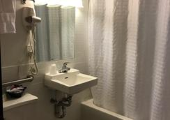 Hotel Mimosa - New York - Bathroom