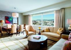 The Ritz-Carlton Los Angeles - Los Angeles - Living room