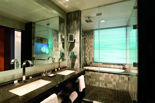 The Ritz-Carlton Los Angeles - Los Angeles - Bathroom