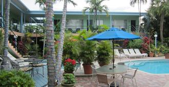 Victoria Park A North Beach Village Resort Hotel - Fort Lauderdale - Building