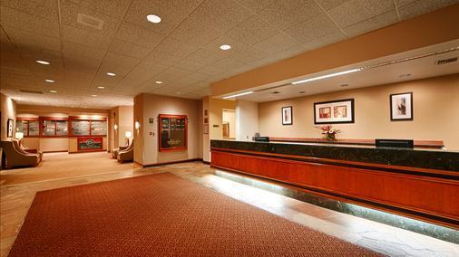 Best Western Executive Inn - Seattle - Front desk