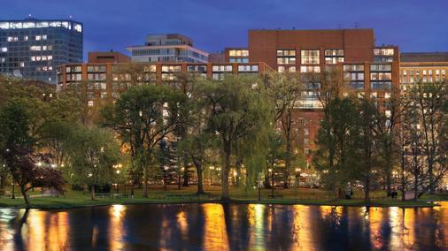 Four Seasons Hotel Boston - Boston - Building