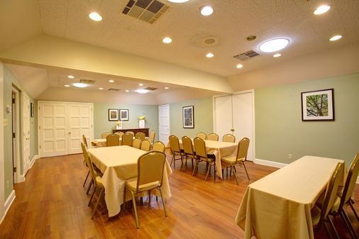 Habitat Suites - Austin - Meeting room