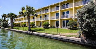 Treasure Bay Resort & Marina an Ascend Hotel Collection Member - Treasure Island - Building