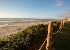 Pelican Shores Inn - Lincoln City - Beach