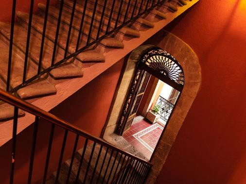 Hotel Mision Catedral Morelia - Morelia - Stairs