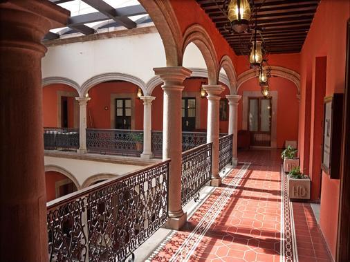 Hotel Mision Catedral Morelia - Morelia