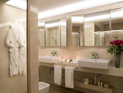Starhotels Metropole - Rome - Bathroom