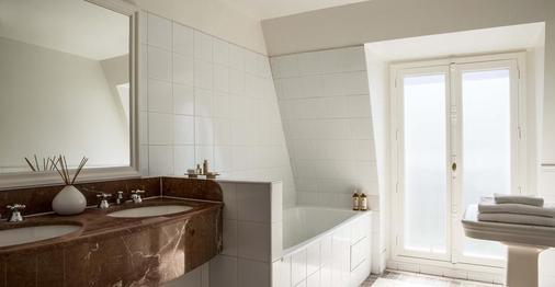 Hotel Brighton - Paris - Bathroom