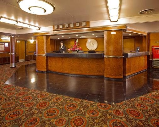 The Queen Mary - Long Beach - Front desk
