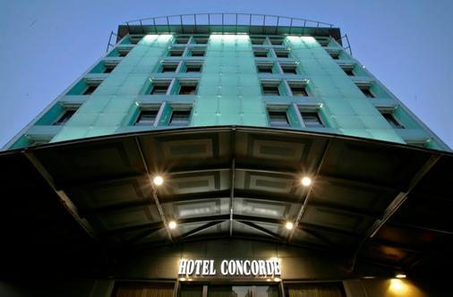 Best Western Antares Hotel Concorde - Milan - Building