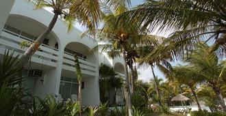 Beach House Maya Caribe by Faranda Hotels - Cancun - Building