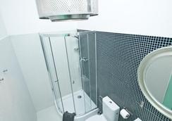 Lofthotel Sen Pszczoly - Warsaw - Bathroom