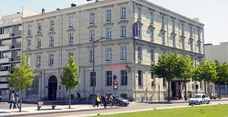 Best Western Plus Hotel d'Anjou - Angers - Building