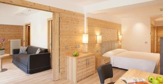 Alpine Charme & Wellness Hotel Europeo - Pinzolo - Bedroom