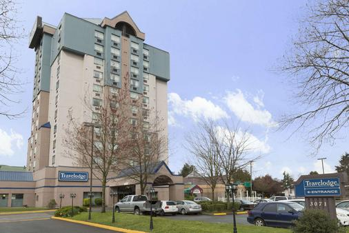 Travelodge Hotel Vancouver Airport - Richmond - Building