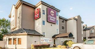 Clarion Hotel Portland International Airport - Portland - Building