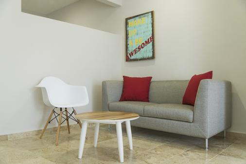 Koox Downtown Family Boutique Hotel - Playa del Carmen - Living room