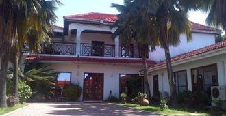 La Paradise Inn - Accra - Building