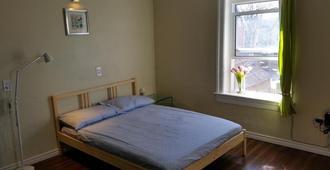 Hansen - Winnipeg - Bedroom