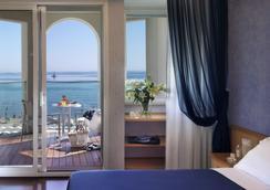 Hotel Tiffany's - Riccione - Bedroom