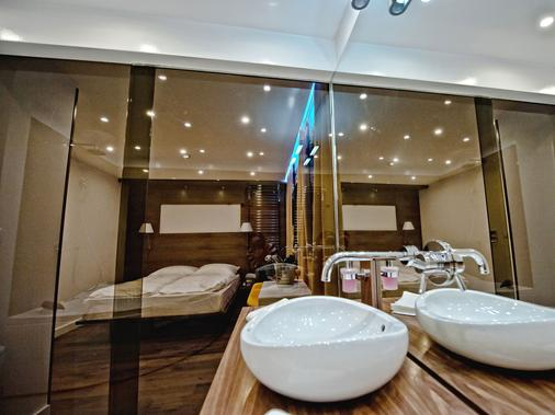 Heritage Jupiter Luxury Hotel - Split - Bathroom
