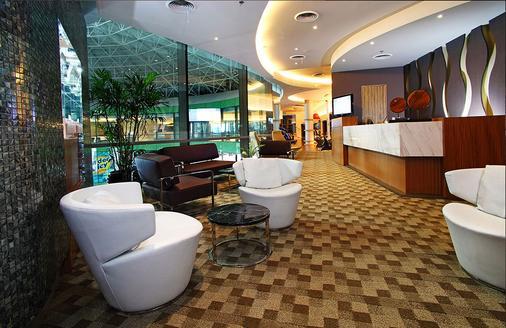 Hotel H2o - Manila - Lobby