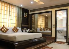 The Daanish Residency - New Delhi - Bedroom