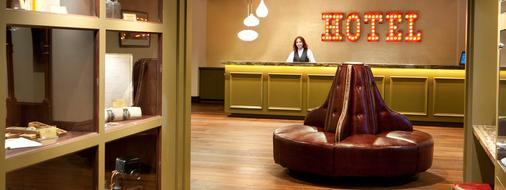 Golden Gate Hotel and Casino - Las Vegas - Front desk