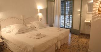 Hostal Juanita - Ibiza - Bedroom